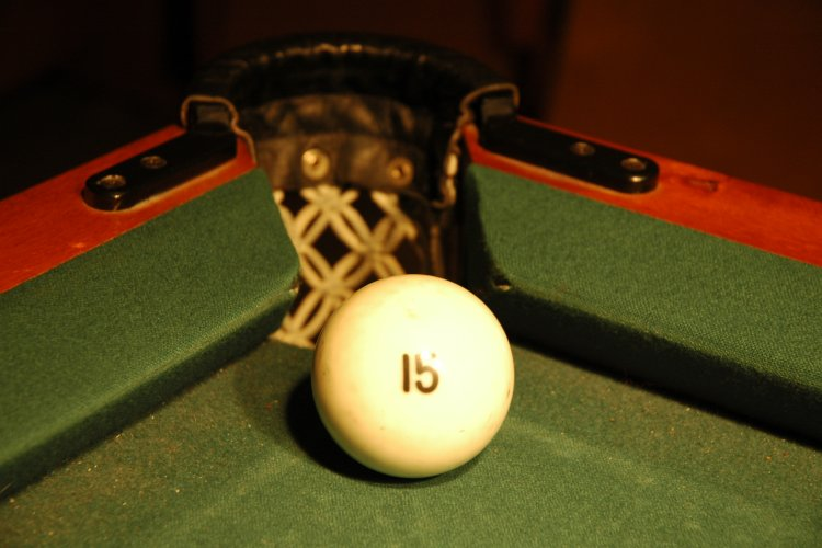 Russian_billiards_ball_at_a_corner_pocket